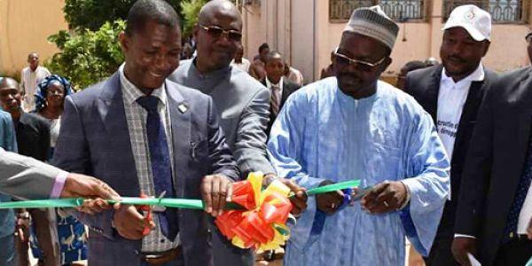 Inauguration du bâtiment des DER et de remise des toges aux enseignants